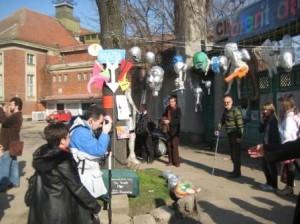 Helion 30, ziua I : elevii Liceului de Arte Plastice Timisoara l-au imortalizat pe Omul Invizibil