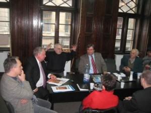 Start la dezbateri. Lucian Szabo, Ioan Talpos (rectorul Universitatii de Vest), Cornel Ungureanu, Cornel Secu, Mircea Oprita.